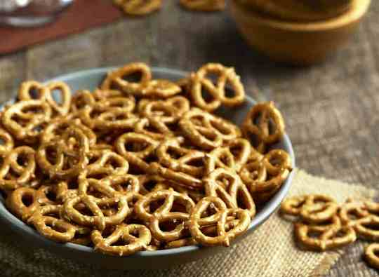 Best travel friendly snacks pretzels